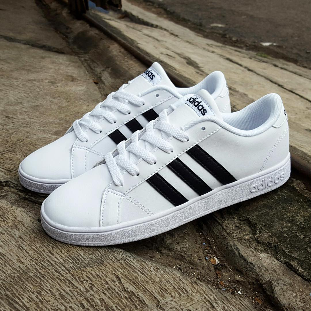 Mens Baseline Shoes Adidas